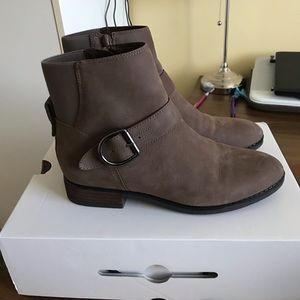 Brand New Never Worn Aldo Short Boots Size 7.5